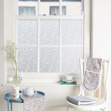 Birdie folk window film